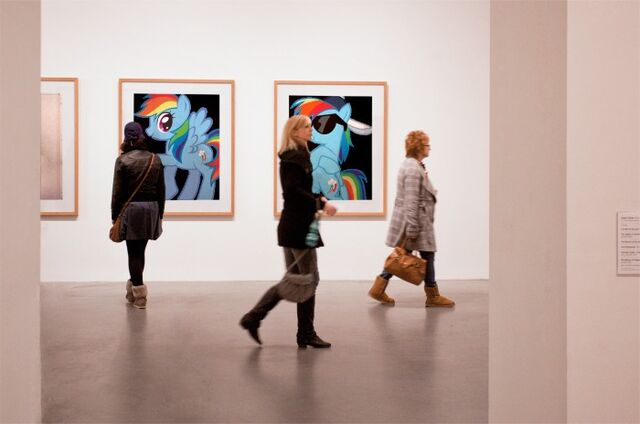 File:FANMADE Rainbow Dash in art gallery.jpg