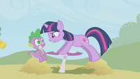 Twilight snaps at Spike S1E03