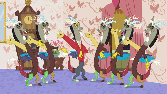 File:Discord and duplicates cheering together S7E12.png