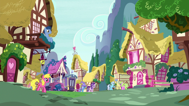 File:Starlight and Trixie return to Ponyville S6E25.png