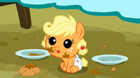 Applejack as a baby cuteness S3E8