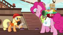Pinkie meets Applejack at the docks S6E22