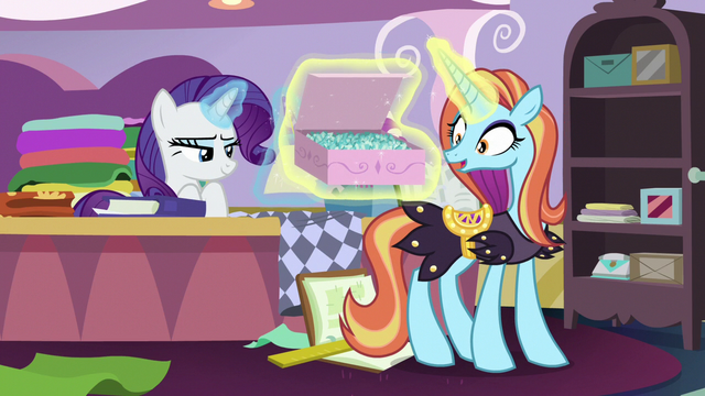 File:Sassy Saddles relieved to see box of sapphires S7E6.png