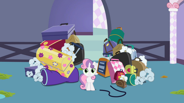File:Sweetie Belle Luggage S2E5.png