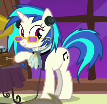 File:DJ Pon-3 Hearth's Warming Tale ID S6E8.png