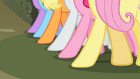 Hooves of the main 6 S2E01