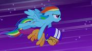 Rainbow Dash saves Scootaloo S03E06