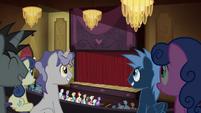 Ponies in an auditorium S4E25