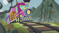 The Friendship Express traveling S5E8