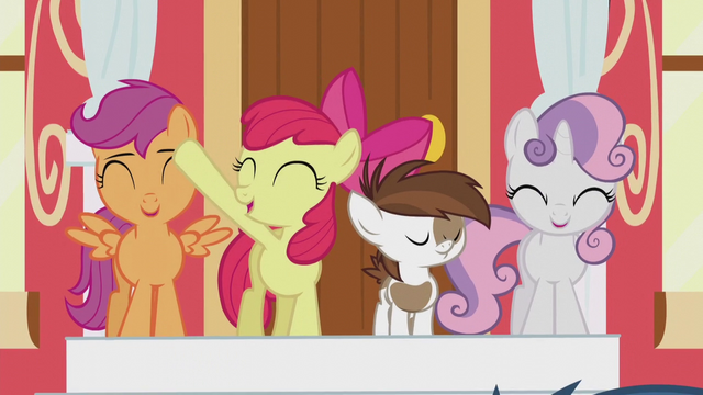 """File:CMC sings """"It's now another day"""" S5E18.png"""