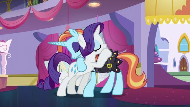 File:Rarity hugging Sassy Saddles again S5E14.png