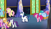 Shining Armor looks back at Pinkie S5E19