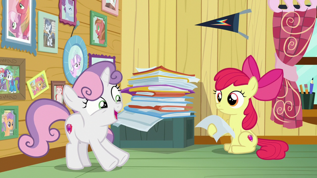 "File:Sweetie Belle ""three puppy paw prints"" S7E6.png"