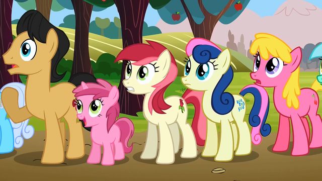 File:Everypony watching2 S02E15.png