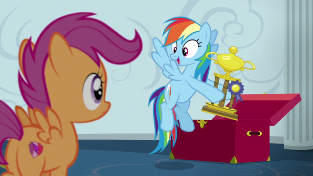 File:Rainbow Dash holding a trophy S6E14.png