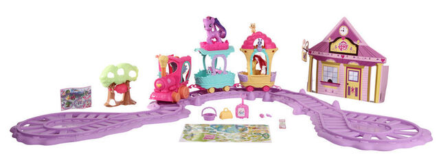 File:Friendship Express Train Around Town Playset.jpg
