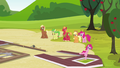Pinkie Pie arrives S3E03.png