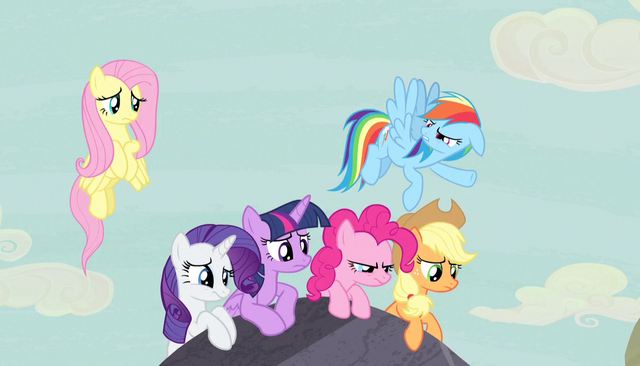 "File:Rainbow Dash ""okay, that's weird"" S5E1.png"
