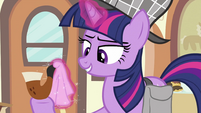 Twilight cleaning pipe's mouthpiece S2E24