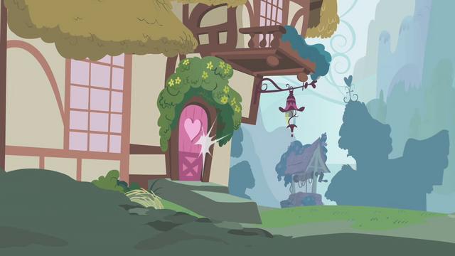 File:Berryshine closes door S01E09.png