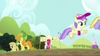 Orchard Blossom approaches the mud puddle S5E17