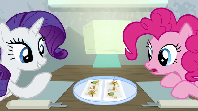 File:Rarity impressed with the presentation S6E12.png