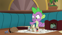 Spike setting up the game again S6E17