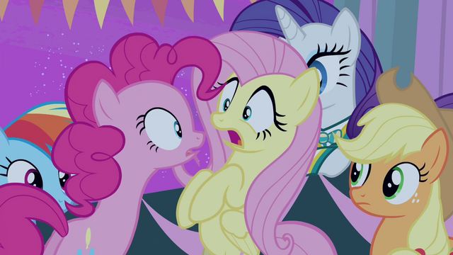 """File:Pinkie Pie """"The screaming fans?!"""" S4E14.png"""