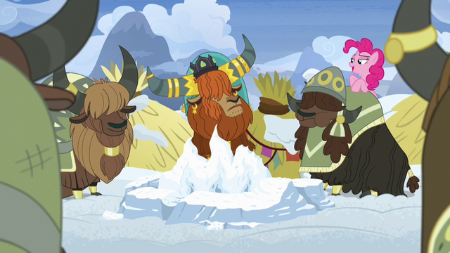 File:Pinkie Pie appears behind unnamed yak's back S7E11.png
