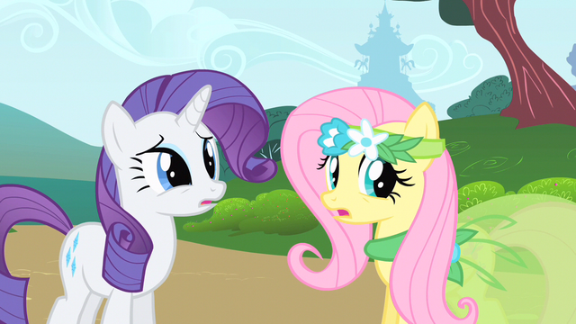 File:Rarity & Fluttershy catch ear S1E20.png