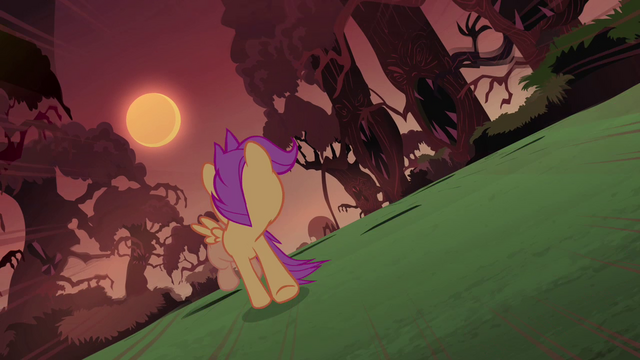 File:Scootaloo looks behind S3E06.png