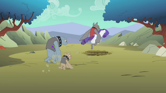 File:Diamond Dogs carrying Rarity S01E19.png