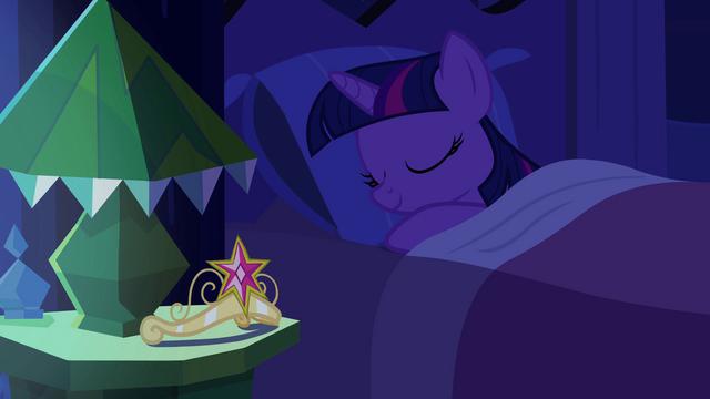 File:Princess Twilight Sparkle in bed EG.png