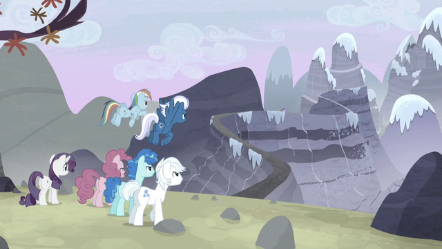 File:Starlight flees toward the mountain S5E2.png