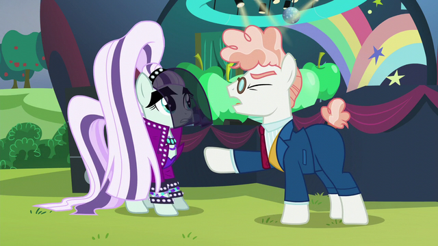 """File:Svengallop """"to rehearsal!"""" S5E24.png"""