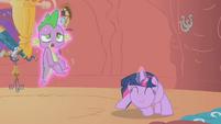 Twilight spinning Spike around S2E02