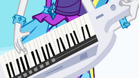 Closeup of Rarity's keytar EG2