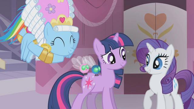 File:Rainbow Dash cuddles a Parasprite S01E10.png