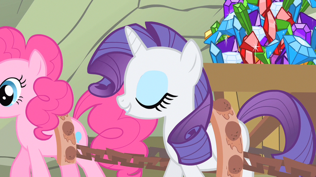 File:Rarity wrapped around my hoof S1E19.png