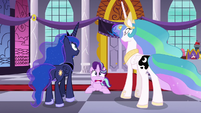 Celestia and Luna's cutie marks are switched S7E10