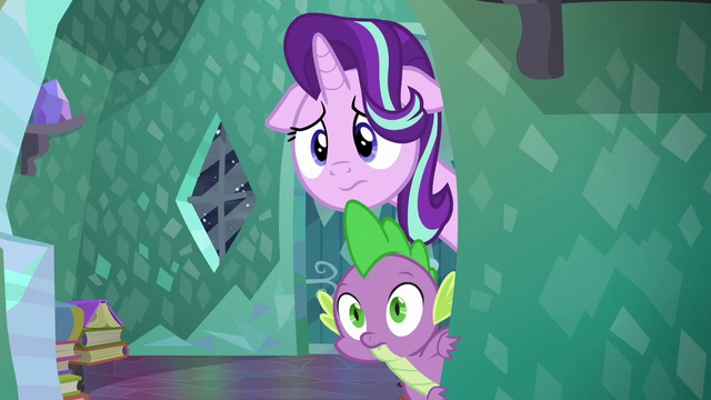 File:Starlight Glimmer and Spike looking at Sunburst S6E2.png