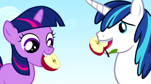 File:Twilight Sparkle and Shining Armor eating an apple S2E25.png