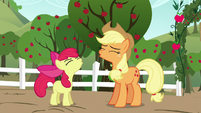 "Apple Bloom and AJ ""Yee-hoo!"" S5E17"