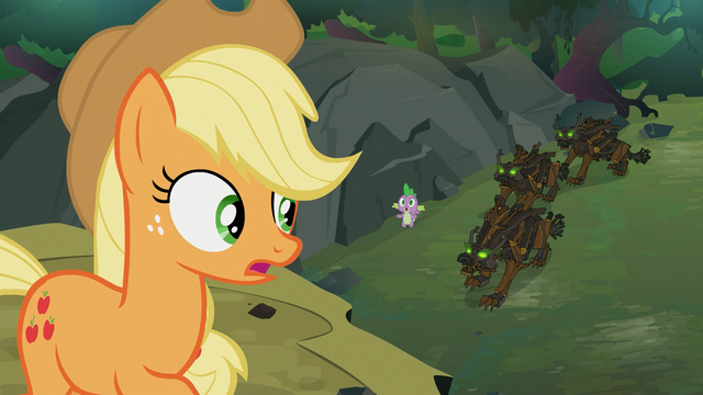 File:Applejack telling Spike to run S3E9.png