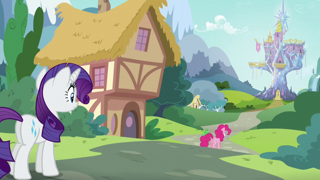 File:Rarity watches Pinkie walking away S5E19.png