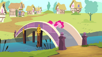 Sad Pinkie walks off bridge S4E12