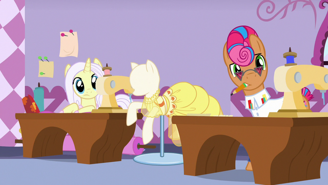 File:Lily Lace and Starstreak hear Applejack's criticisms S7E9.png