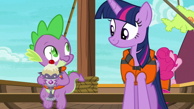 File:Spike smiling goofily at Twilight Sparkle S6E22.png