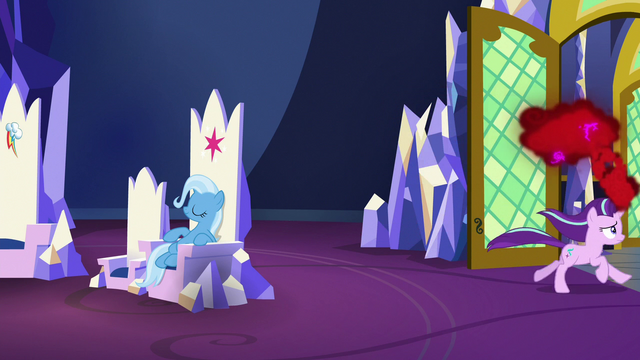 File:Starlight runs out of the throne room S7E2.png