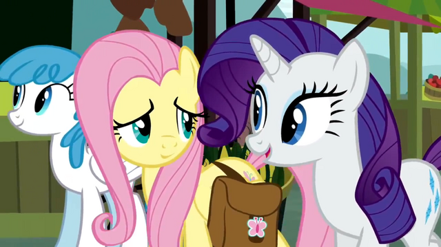 File:Rarity chatting S02E19.png